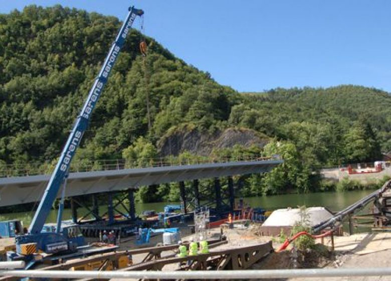 Chantier pont St Nicolas, Revin, pose tablier